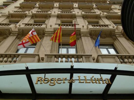 Hotel Roger De Lluria Barcelona: Frente del hotel