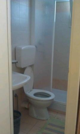 Albergo Vittoria: Bathroom