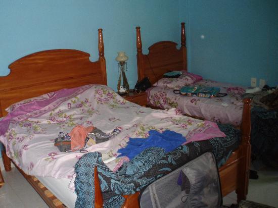 Colonial Carlos: Beds