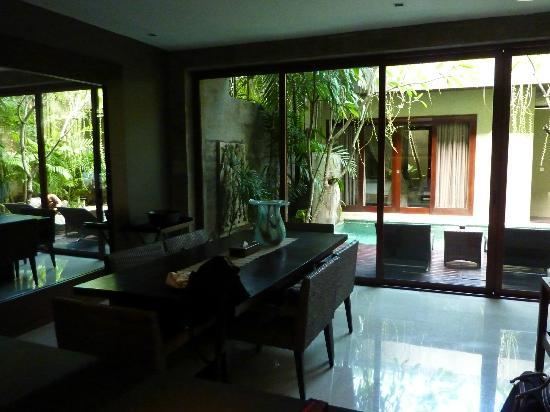 Kanishka Villas: Dining Room