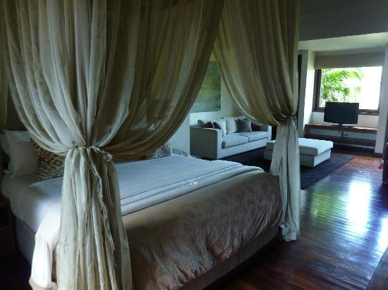 Kanishka Villas: QS Bed