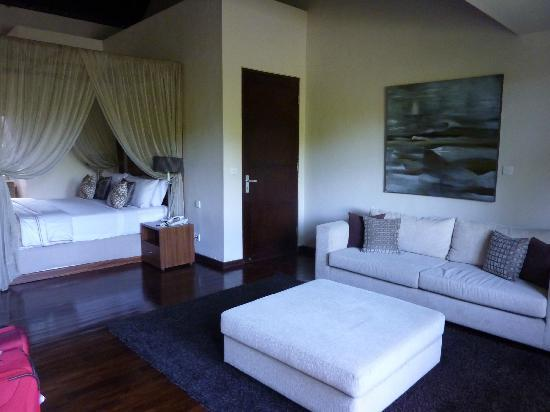 Kanishka Villas: Master Bedroom