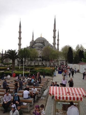 Sultanahmet District: blue Mosque