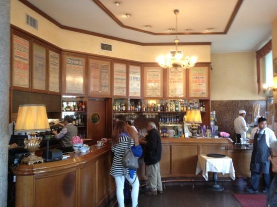 Bar Castello: cafe bar