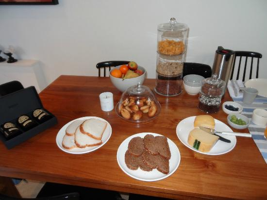 Bed and Breakfast Sleep With Me: Yummy breakfast and friendly service