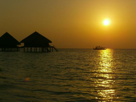 Adaaran Club Rannalhi: Sunset