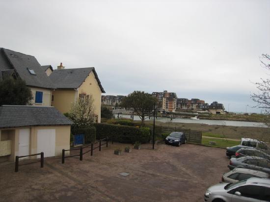 Pierre & Vacances Résidence Port Guillaume : vue de la chambre vers le chenal