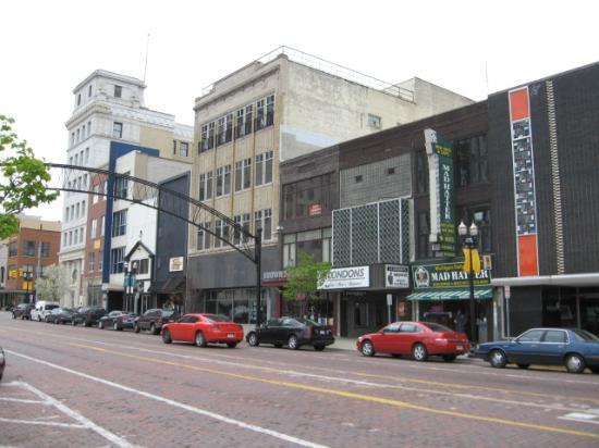 Historic Saginaw Street: Downtown