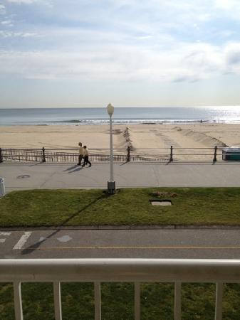 كواليتي إن آند سويتس أوشن فرونت: view from balcony...
