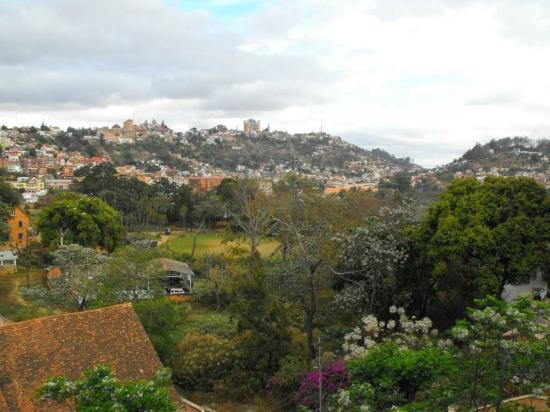 Tana-Jacaranda: View over valley to Palace...