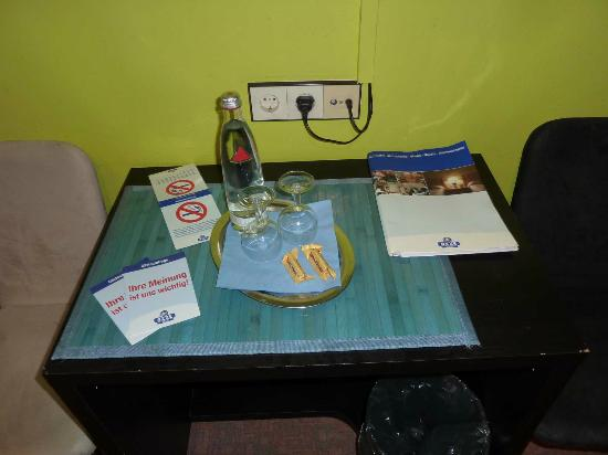 Serways Hotel Bruchsal West: Detalles en la habitación