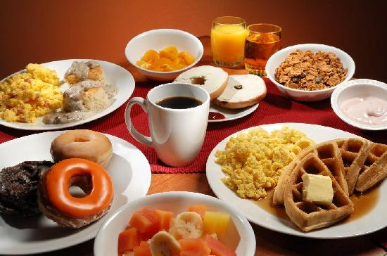 Camden Hotel & Conference Center: Breakfast