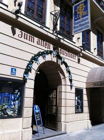 Weinhaus Neuner: Hintereingang
