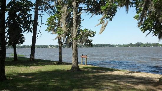 Lake Blackshear Resort and Golf Club: View of Lake Blackshear