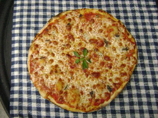 Pizzeria Luna Rossa: Pizza Margarita
