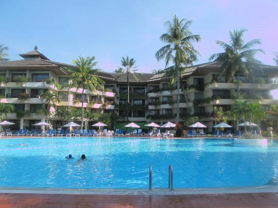 Prama Sanur Beach Bali: Pool and Hotel