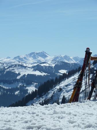 Chalet La Giettaz: View from local mountain restaurant