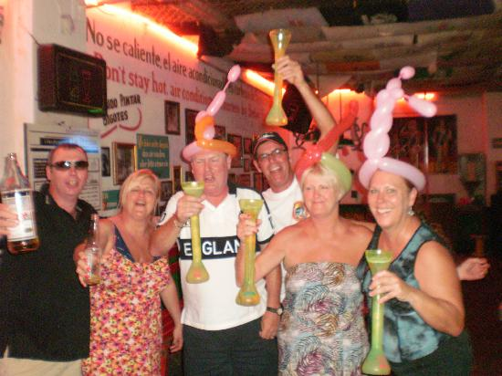 Carlo's N Charlie's Beach Club: Salud