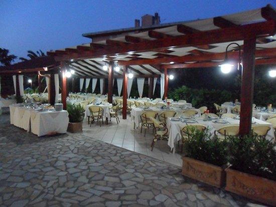 Santa Caterina dello Ionio, Włochy: Sala esterna