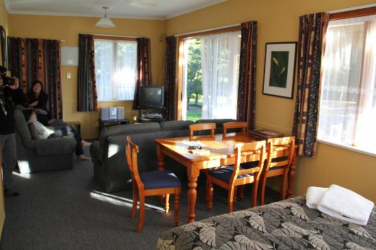 Accommodation Fiordland Self Contained Cottages: In the Room