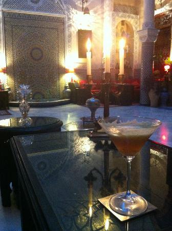 Riad Ibn Battouta: Le patio avant le diner