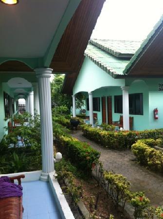 Chaokoh Phi Phi Hotel & Resort: allée