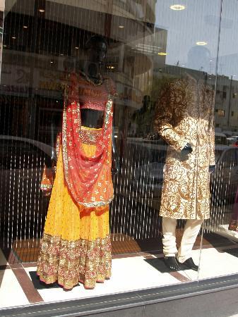 Meena Bazaar: Clothing