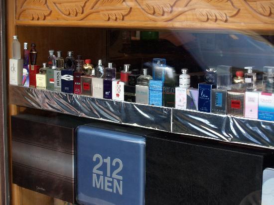 Meena Bazaar: Whole sale parfumes