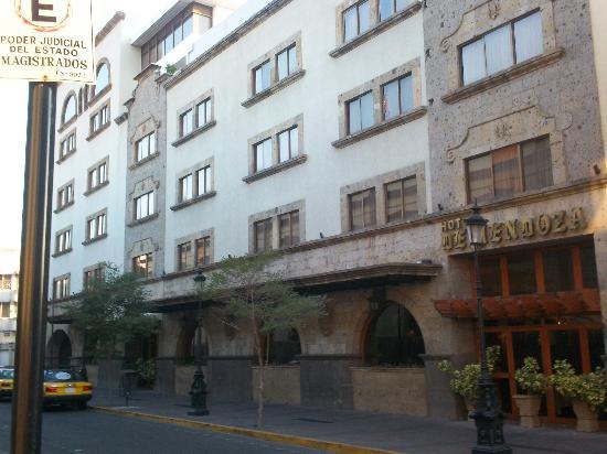 門多薩飯店照片