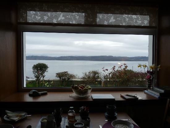 Rowan Cottage B&B: breakfast view