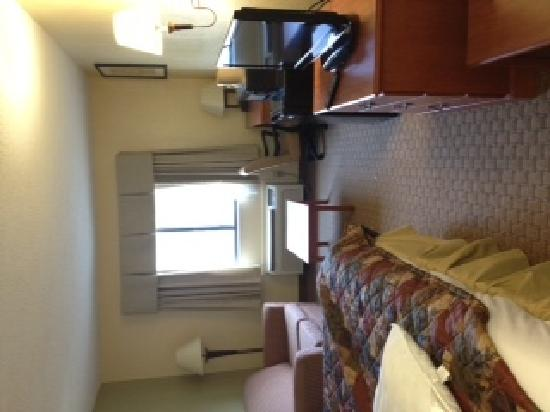 Baymont Inn & Suites LaGrange: our room
