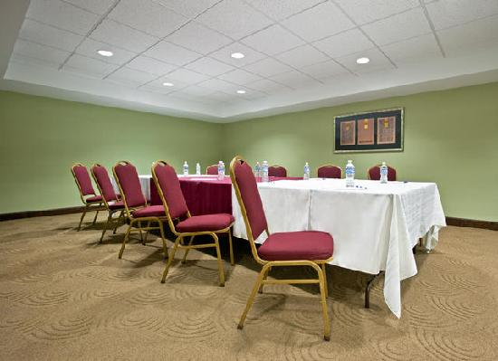 Holiday Inn Express Cincinnati West: Meeting Room