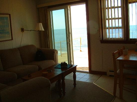 The Garlands: Seaside 1 Bedroom : View from Living room