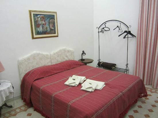 Marlu Bed & Breakfast: Bedroom
