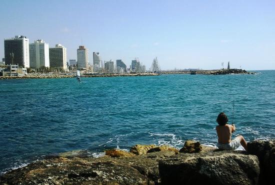 Tayelet : Hilton Beach