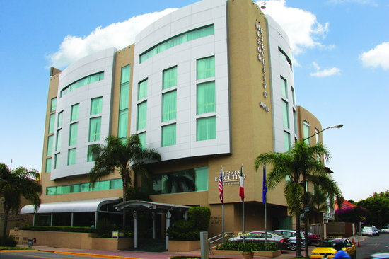Meson Ejecutivo Hotel: FACHADA