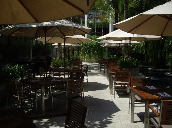 The Chava Resort: Al fresco dining by the poolside