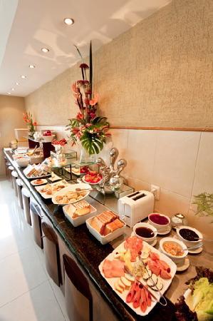 Meson Ejecutivo Hotel: Desayuno Buffet