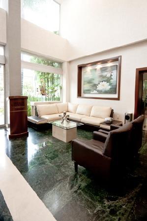 Meson Ejecutivo Hotel: Lobby