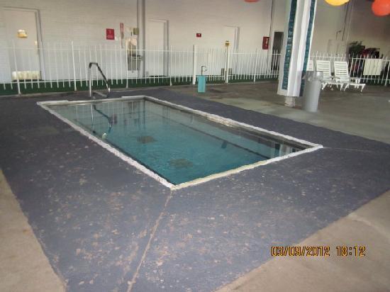 Americas Best Value Inn- Benton Harbor: Hot Tub
