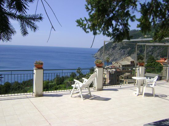 Framura, Italy: terrazza in giardino