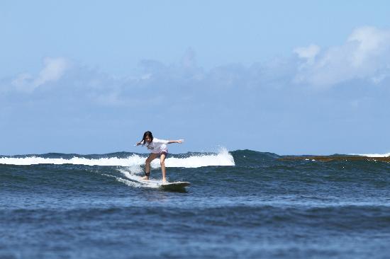 Buttons Surf School : sydney torres