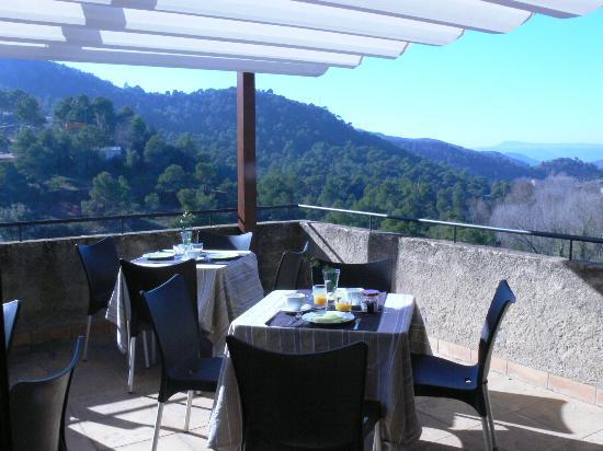 Can Seuba: Terraza vistas Montserrat