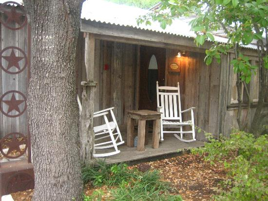 Gruene Mansion Inn Bed & Breakfast: Relaxing Patios