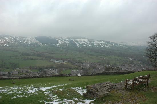 A view on Hope Valley from Peveril Castle