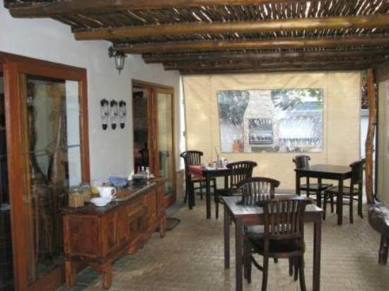 Lodge Afrique : dining area