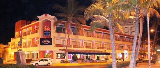 Hotel la Siesta: Vista Exterior La Siesta