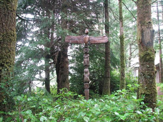 WildSpring Guest Habitat: totem