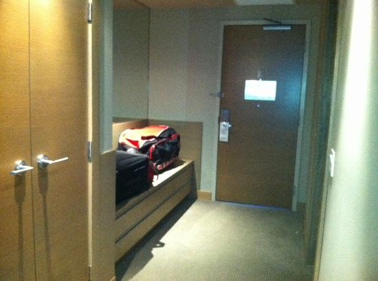 The Sidney Pier Hotel & Spa: Great storage for luggage