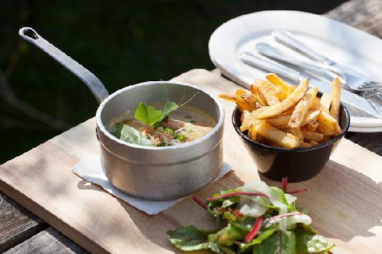 The Wellington Hotel: Sample Long Bar dish